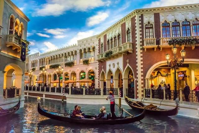 Grand Canal Shoppes Gondoles