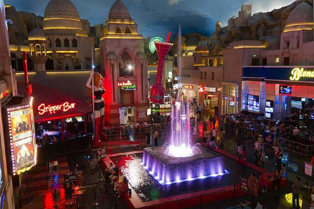Miracle Mile Shops Planet Hollywood