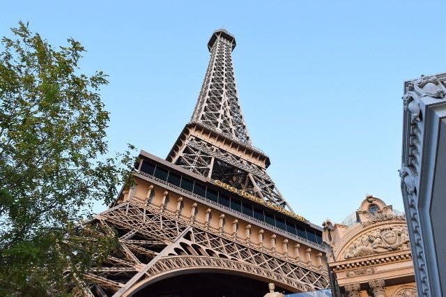 Tour Eiffel Parisl as vegas Strip Las Vegas