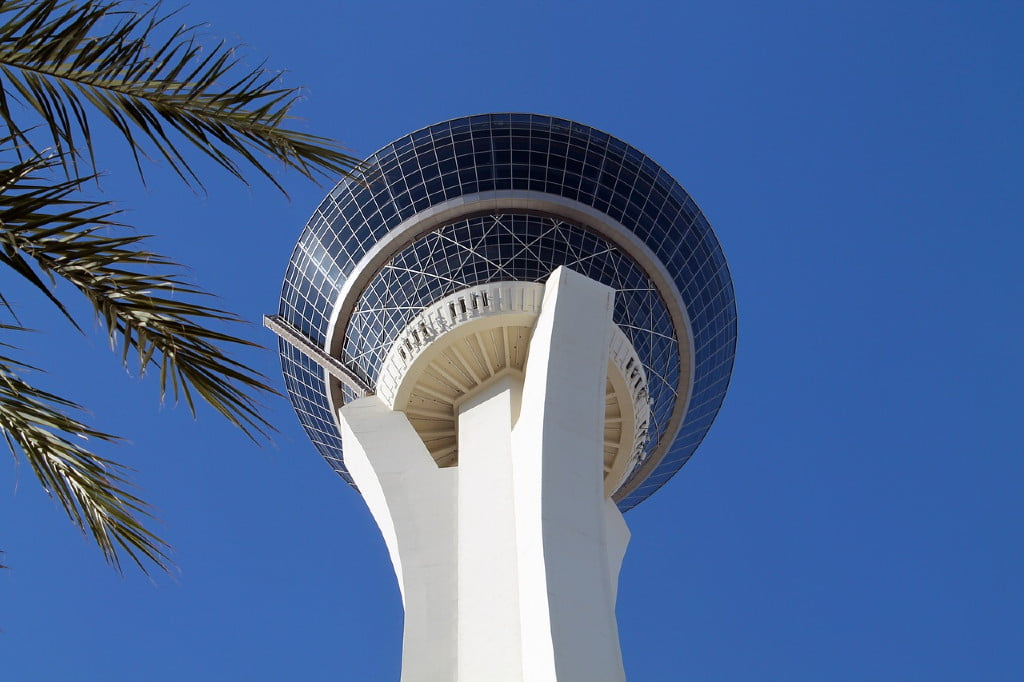 Skyjump Strat tower