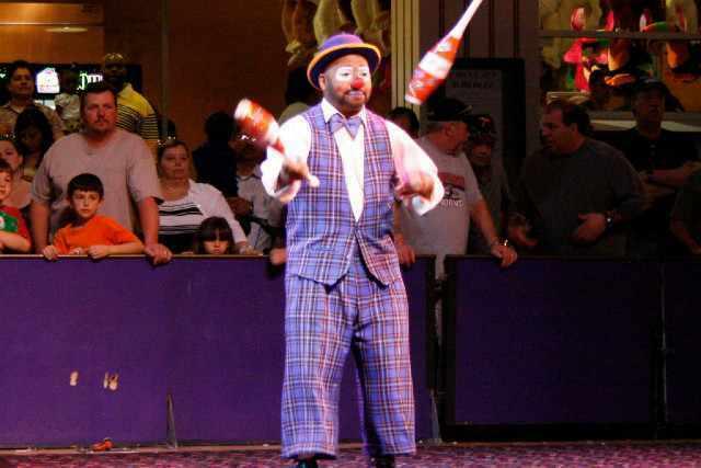 activite circus circus midway act las vegas