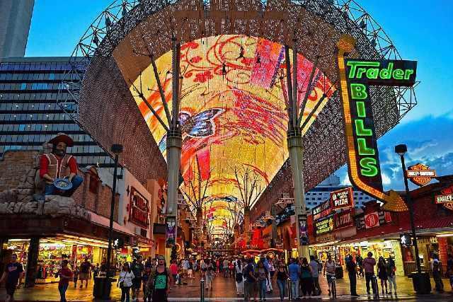 activite fremont street experience downtown las vegas